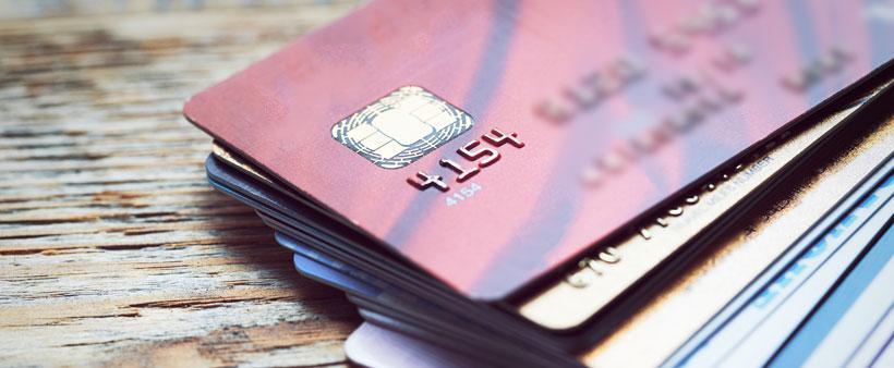 Effectuer des paiements sur sa carte de crédit malgré une mise à pied