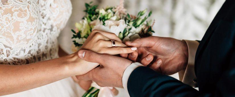 3raisons d'assurer votre mariage en ligne